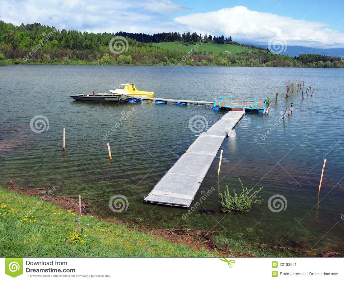Download Pier And Boats On Liptovska Mara, Slovakia Stock Image - Image of nobody, anchored: 33183901