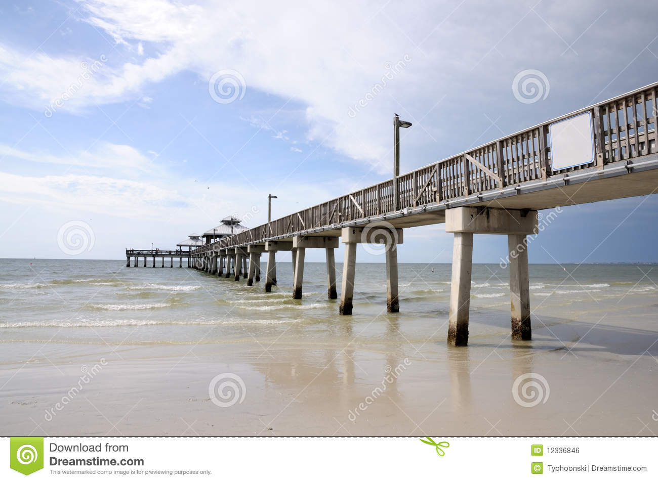 Pier in fort myers florida royalty free stock image for Fort myers fishing pier