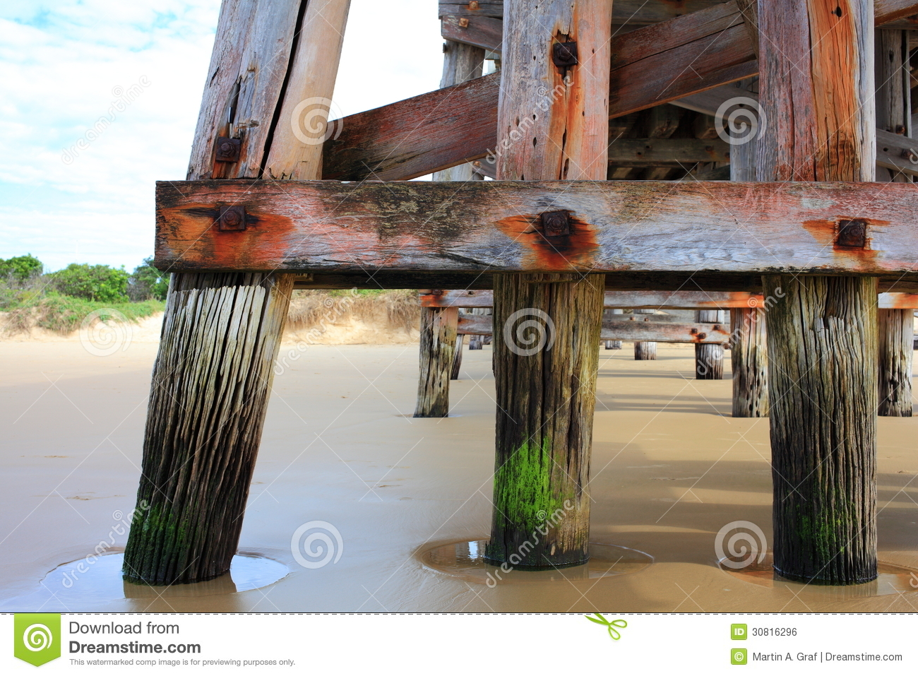 Pier pylons detail royalty free stock image image 30816296 for Beach house plans on pylons