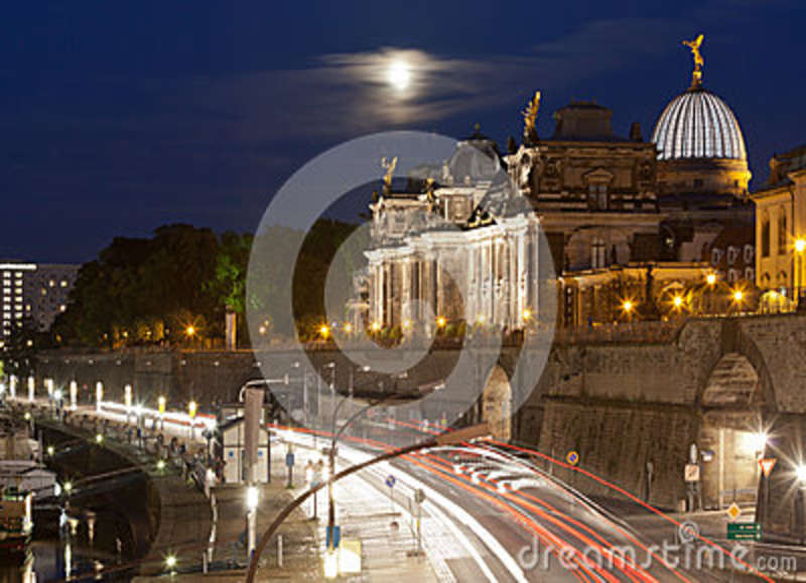 Download Pier von Dresden stockbild. Bild von voll, dämmerung - 45019517