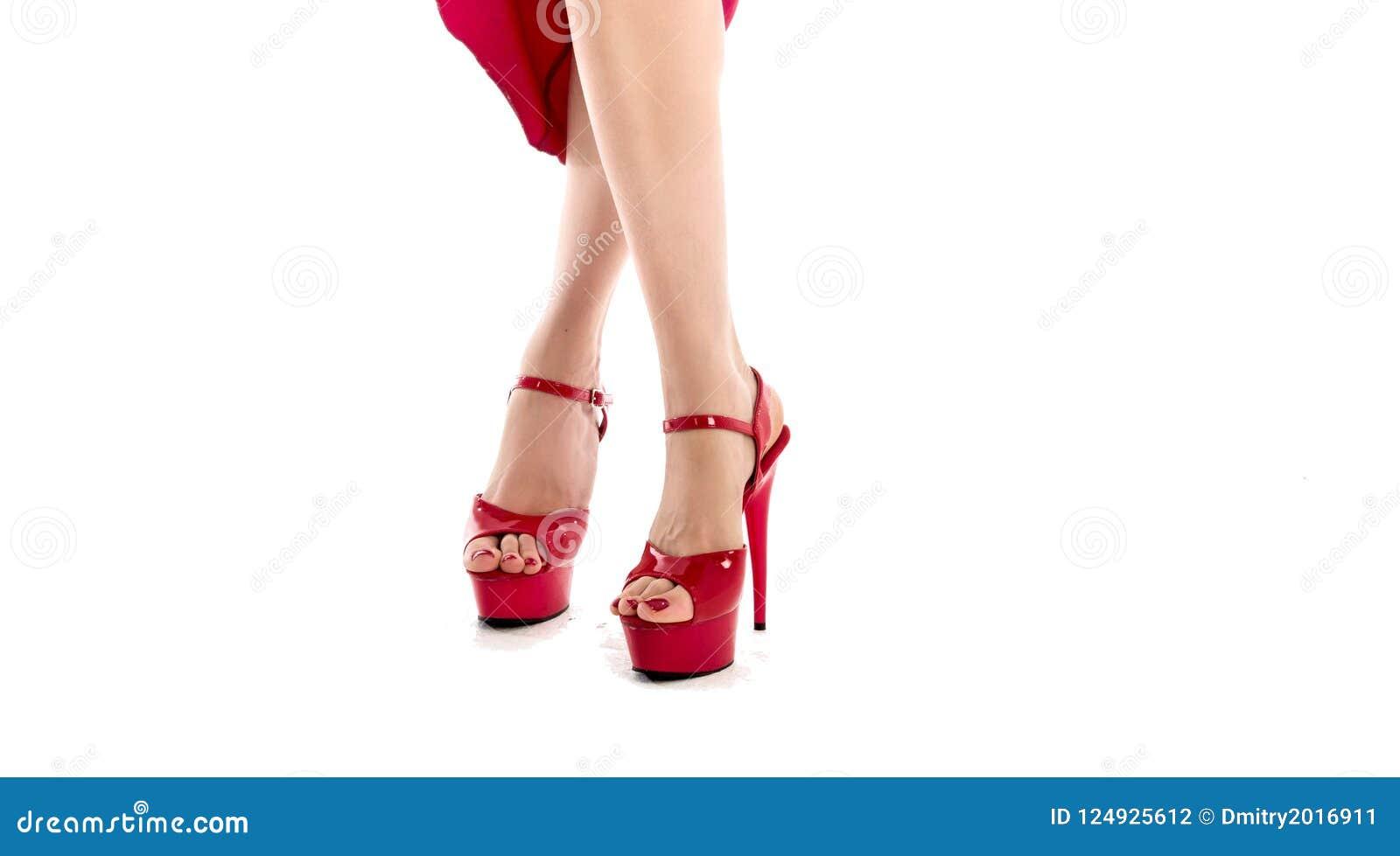 50% rebajado costo moderado venta más caliente Piernas Femal Hermosas En Tacones Altos Rojos Zapatos Rojos ...