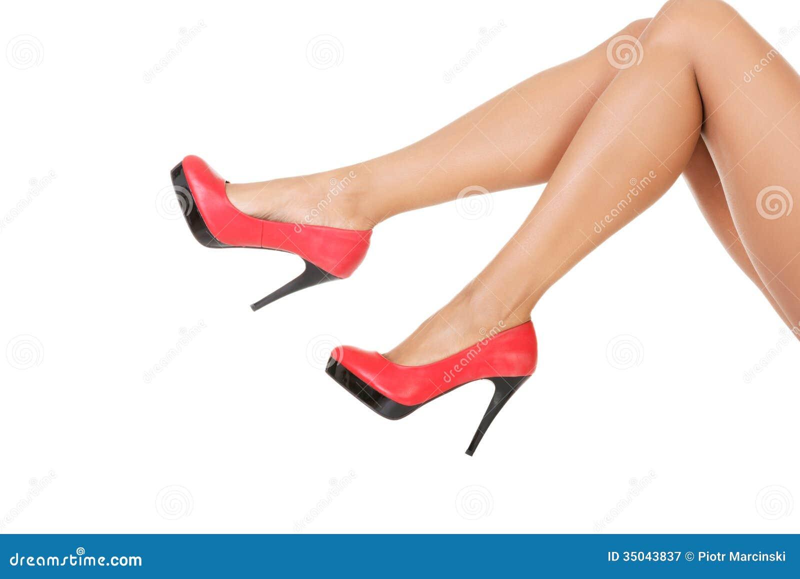 altos femeninas rojos Piernas en tacones atractivas pwqOT