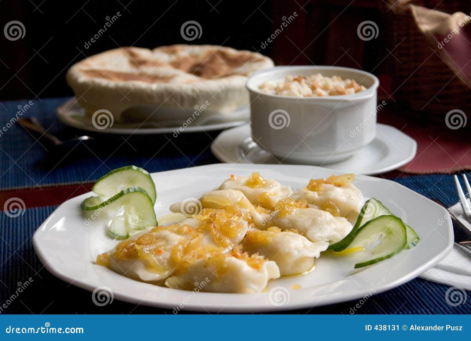Pierogi polonais et potage italien