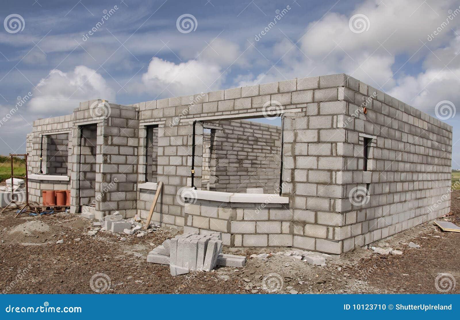 Pierre neuve de maison en b ton de construction photo for Prix construction maison en pierre