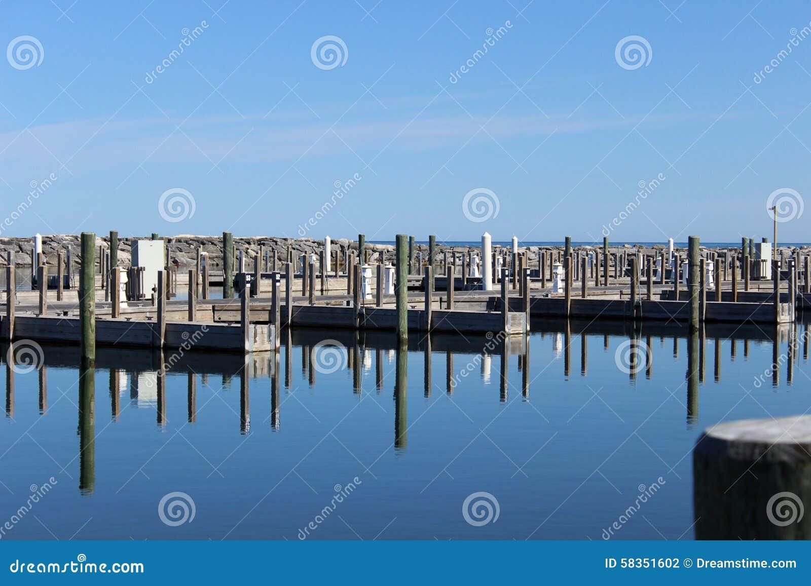 Piers historical fishtown leland michigan for Fish town usa