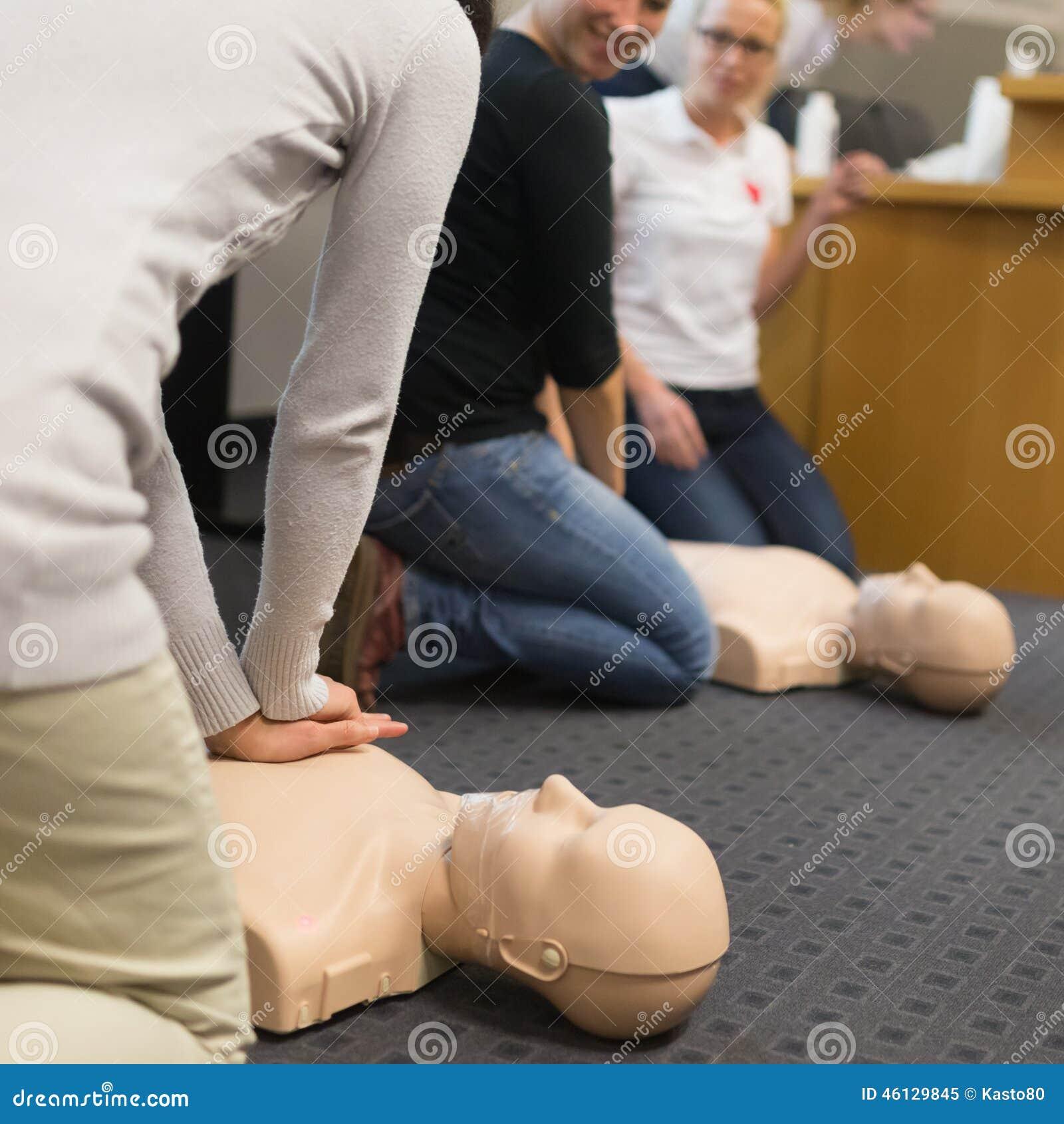 Pierwszej pomocy CPR konwersatorium