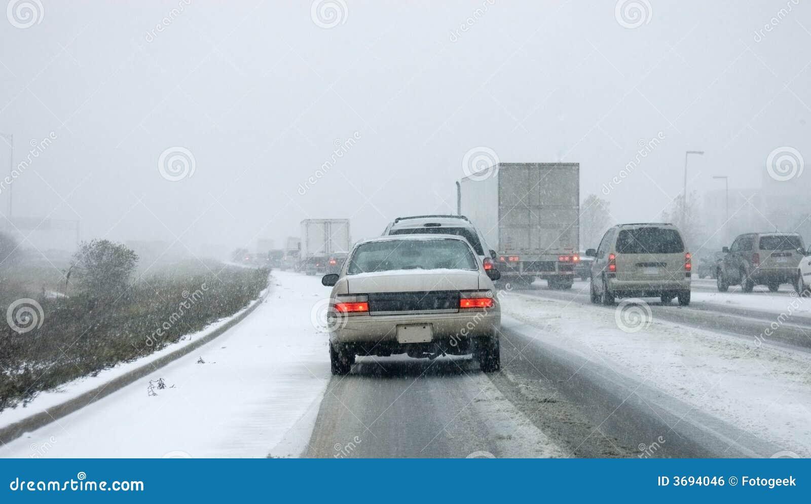 Pierwszy śnieg chaosu gta autostrady