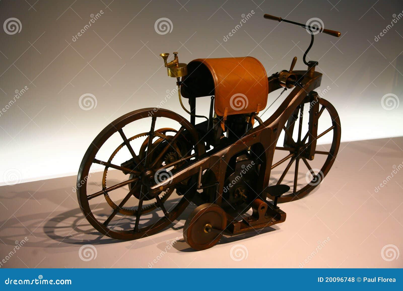 Pierwszy motocykl