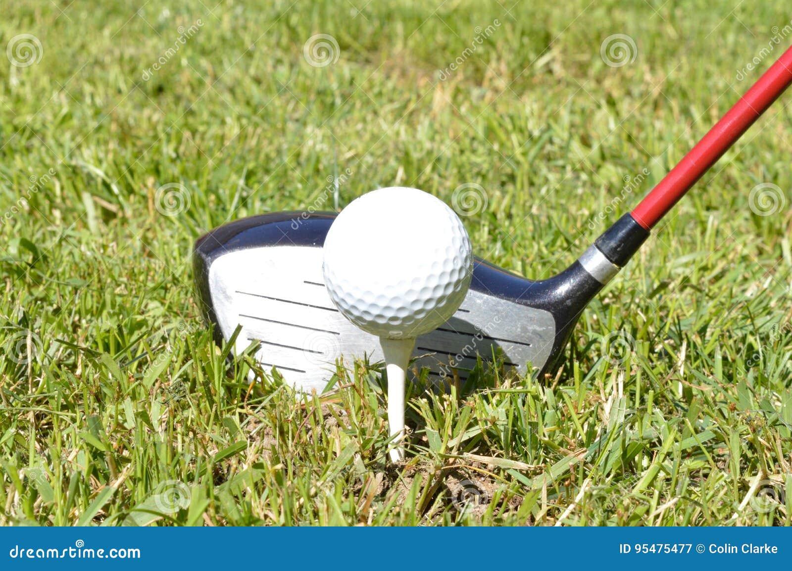 Pierwszy plan - golfista wokoło trójnik z część 2