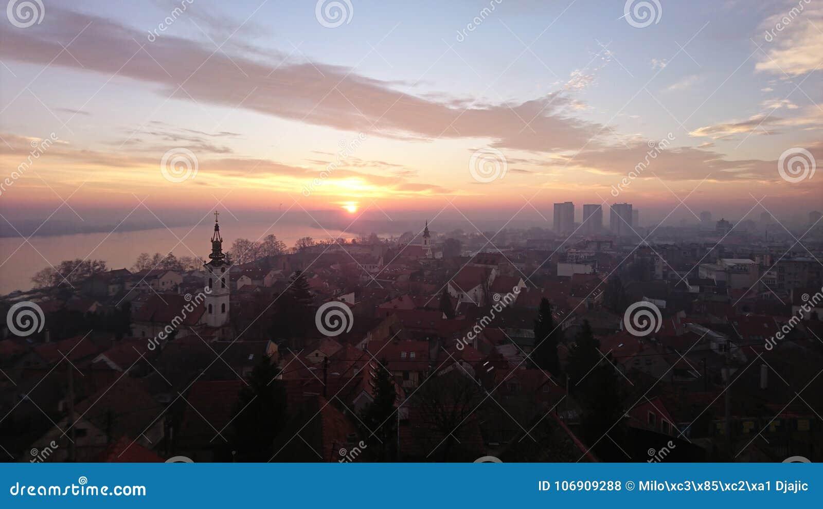 Pierwszy wschód słońca w 2018
