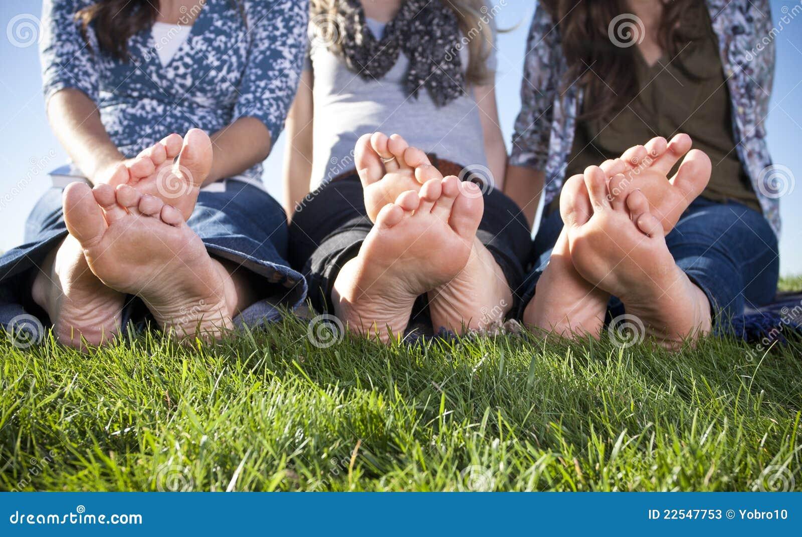 Fotos de Pies descalzos de stock, imgenes de Pies