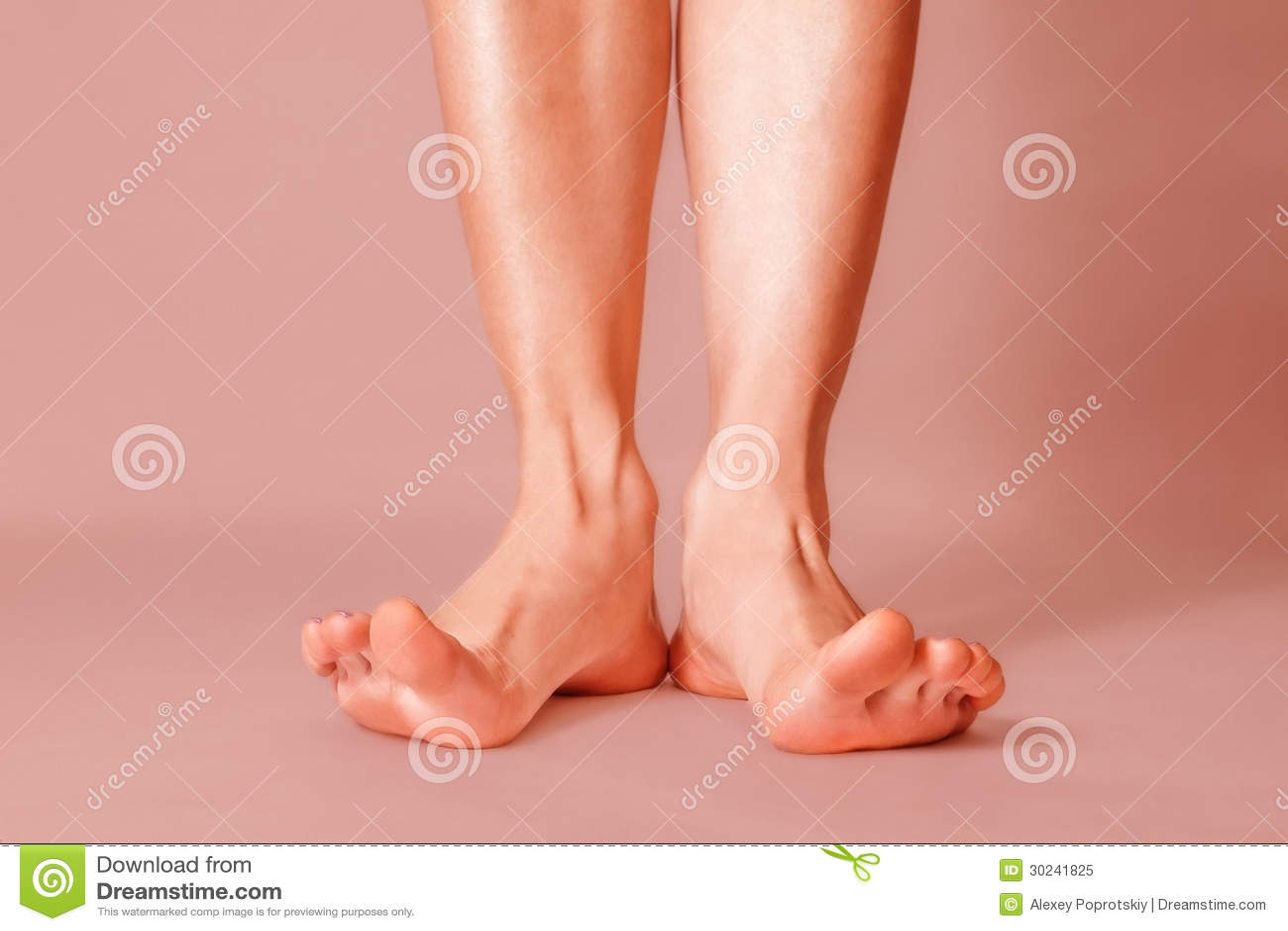 image Pies sucios femeninos lamidos limpios