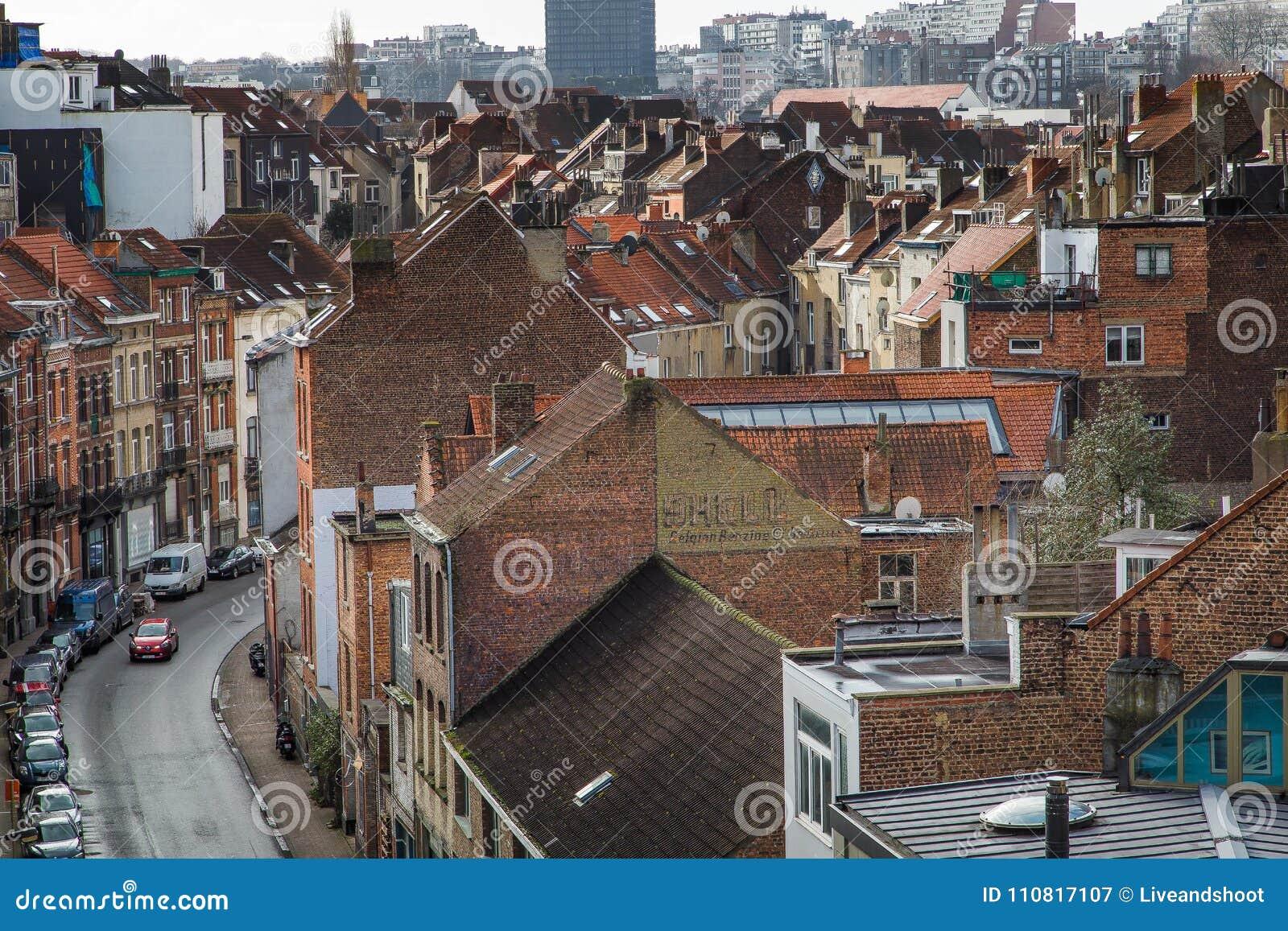 Case In Pietra E Mattoni : Pietra e case con mattoni a vista immagine stock immagine di