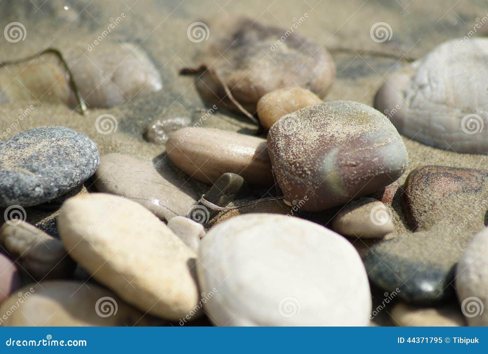 Pietra nella sabbia