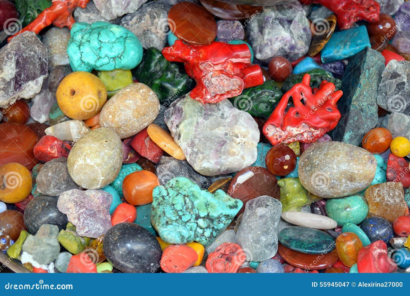 Pietre e minerali naturali colorati