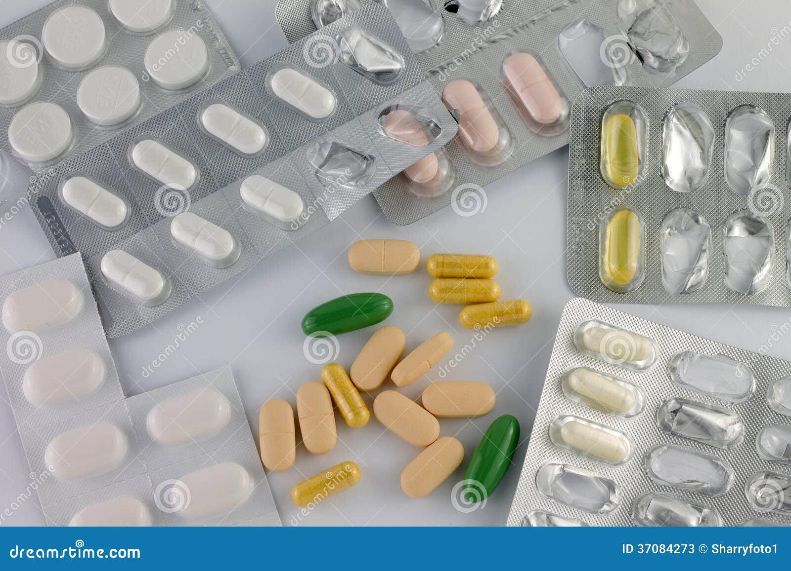 Download Pigułki obraz stock. Obraz złożonej z remedium, leki - 37084273