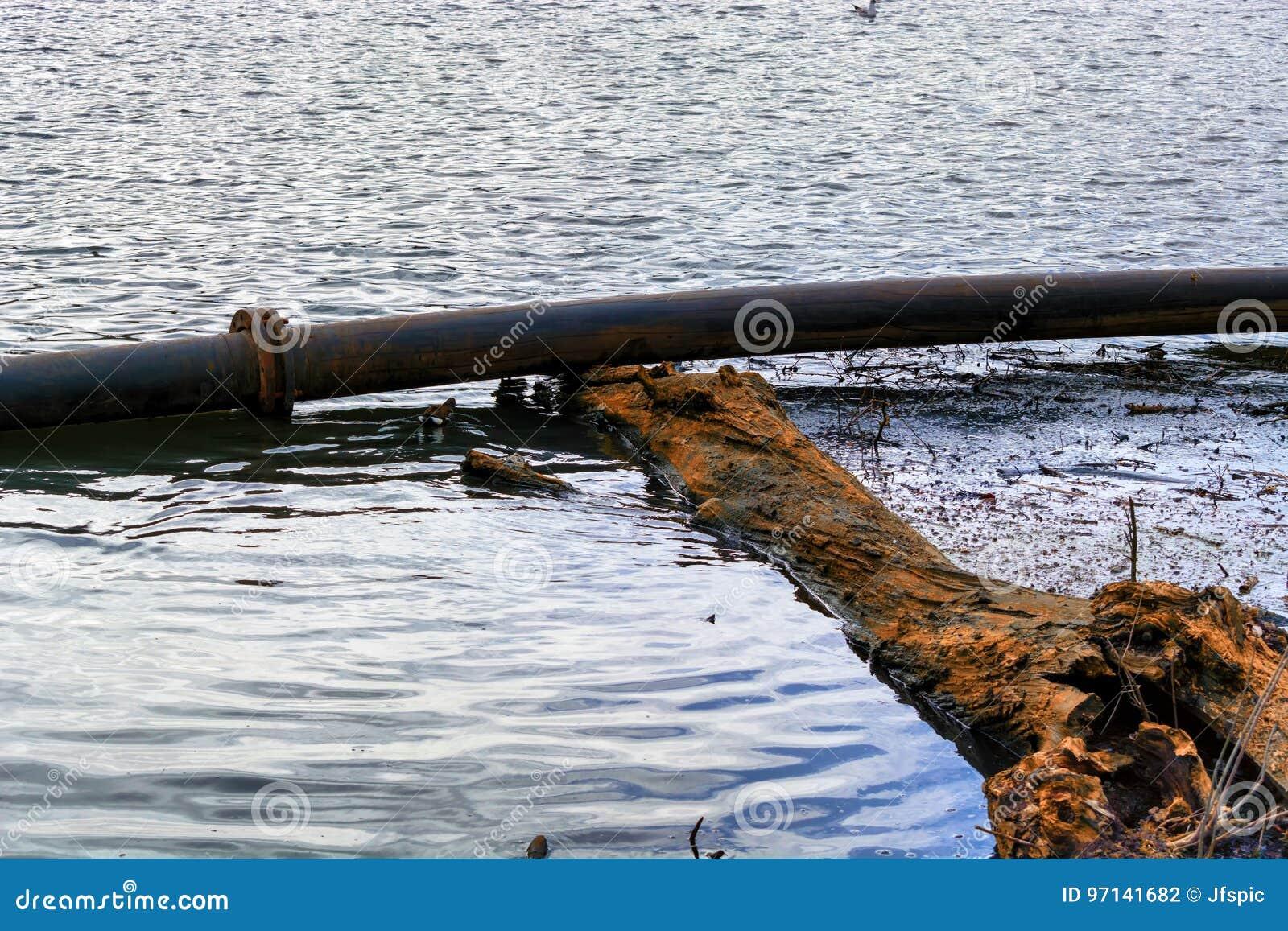 Pijpleiding, plastic pijpenvlotter op de waterspiegel