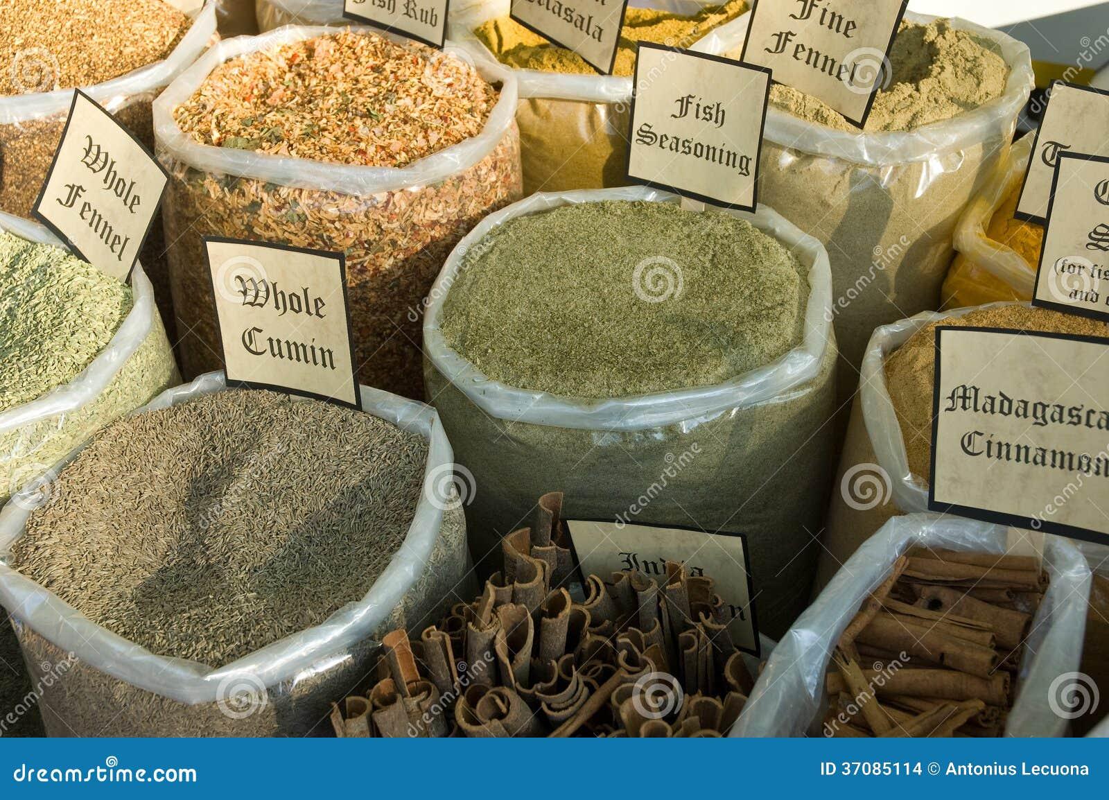 Download Pikantność Dla Sprzedaży W Rynku Otwartym Zdjęcie Stock - Obraz złożonej z cynamon, smakowity: 37085114
