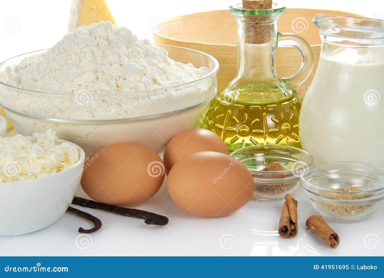 Pikantność, jajka, chałupa ser, mąka, olej