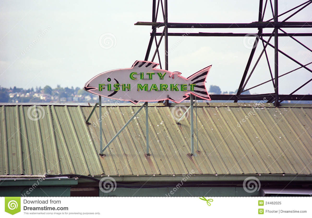 Pike place market seattle editorial image image 24462025 for Fishing store seattle