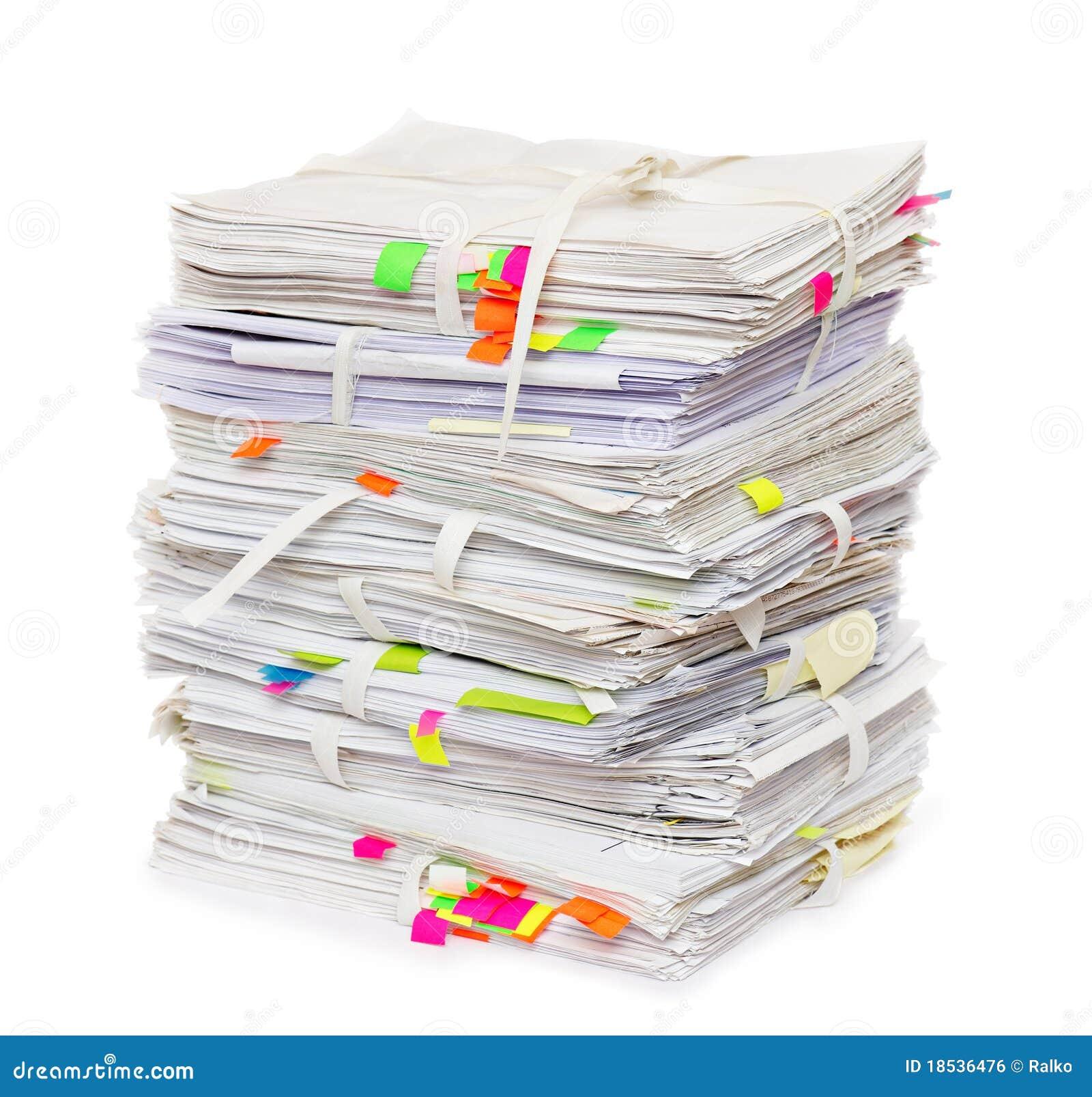 Pila de papeles oficiales