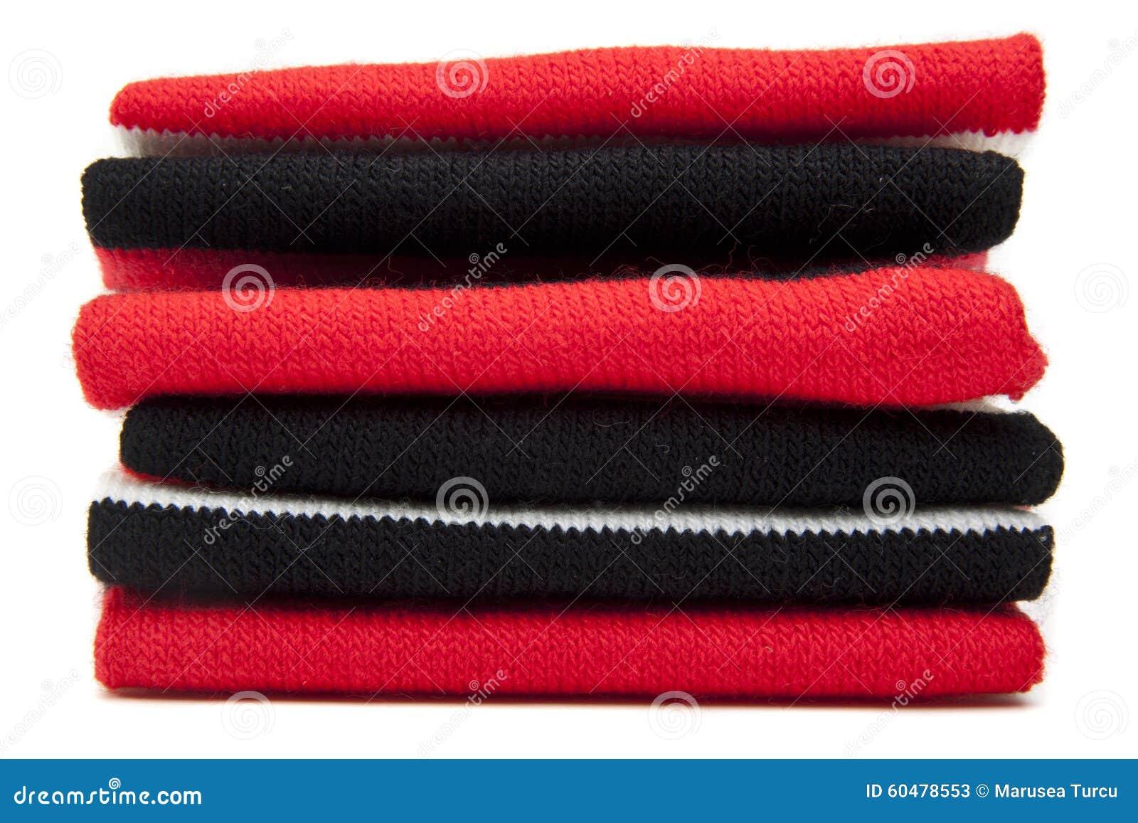Pila di sciarpe piegate