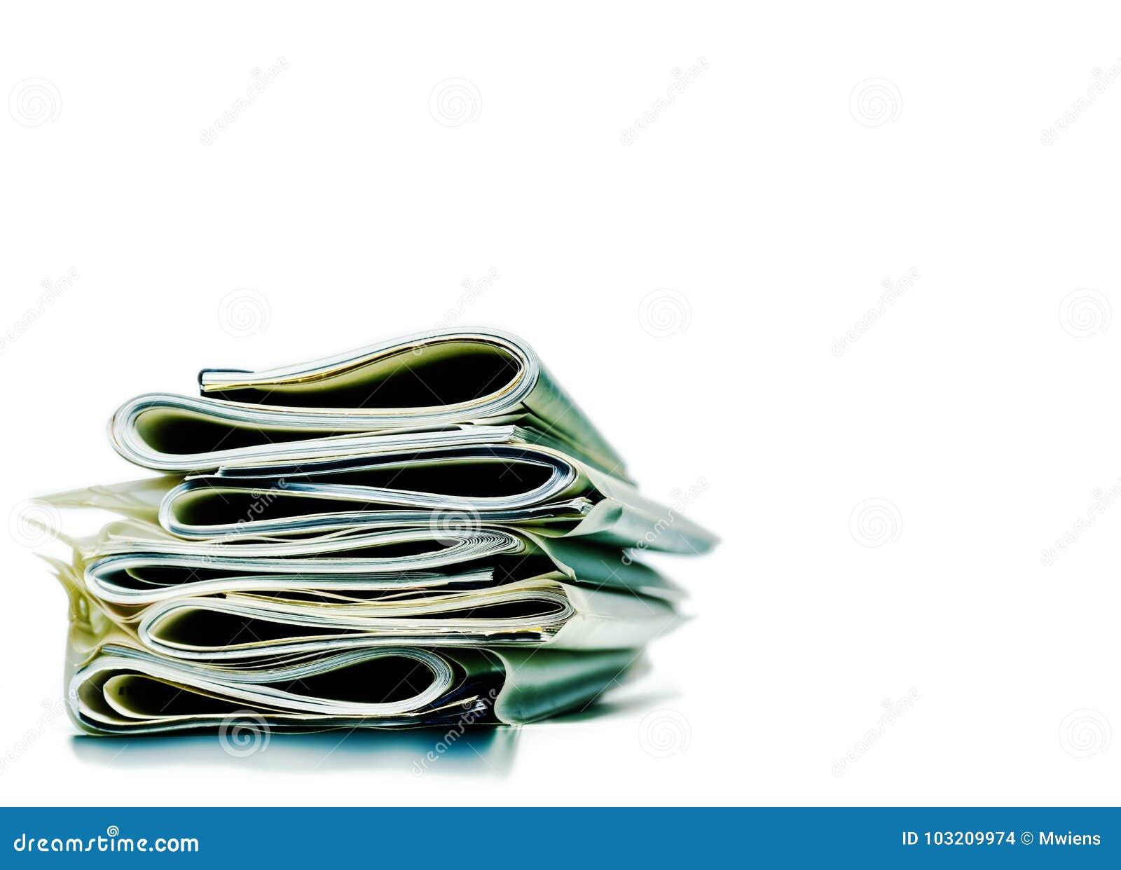 Pila doblada de papeles del negocio, legales o del seguro