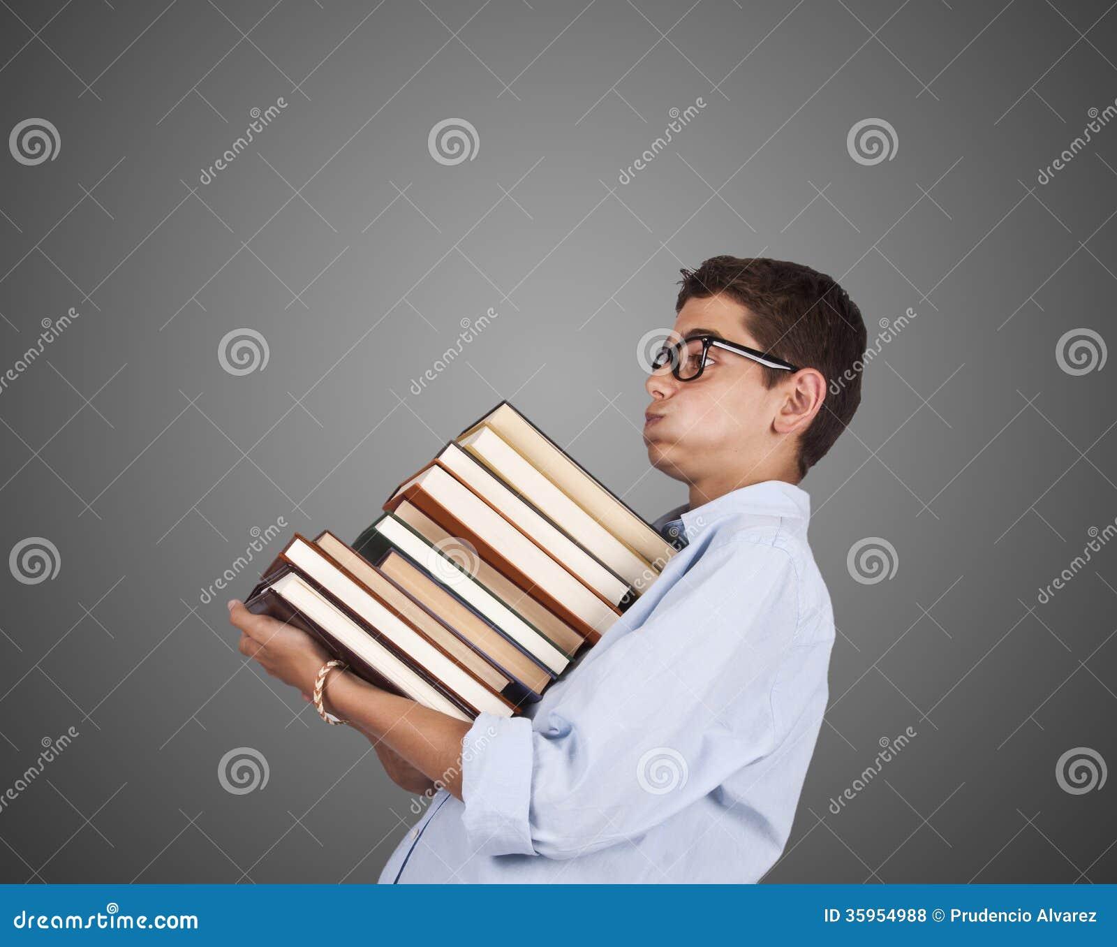 Pila que lleva del hombre de libros