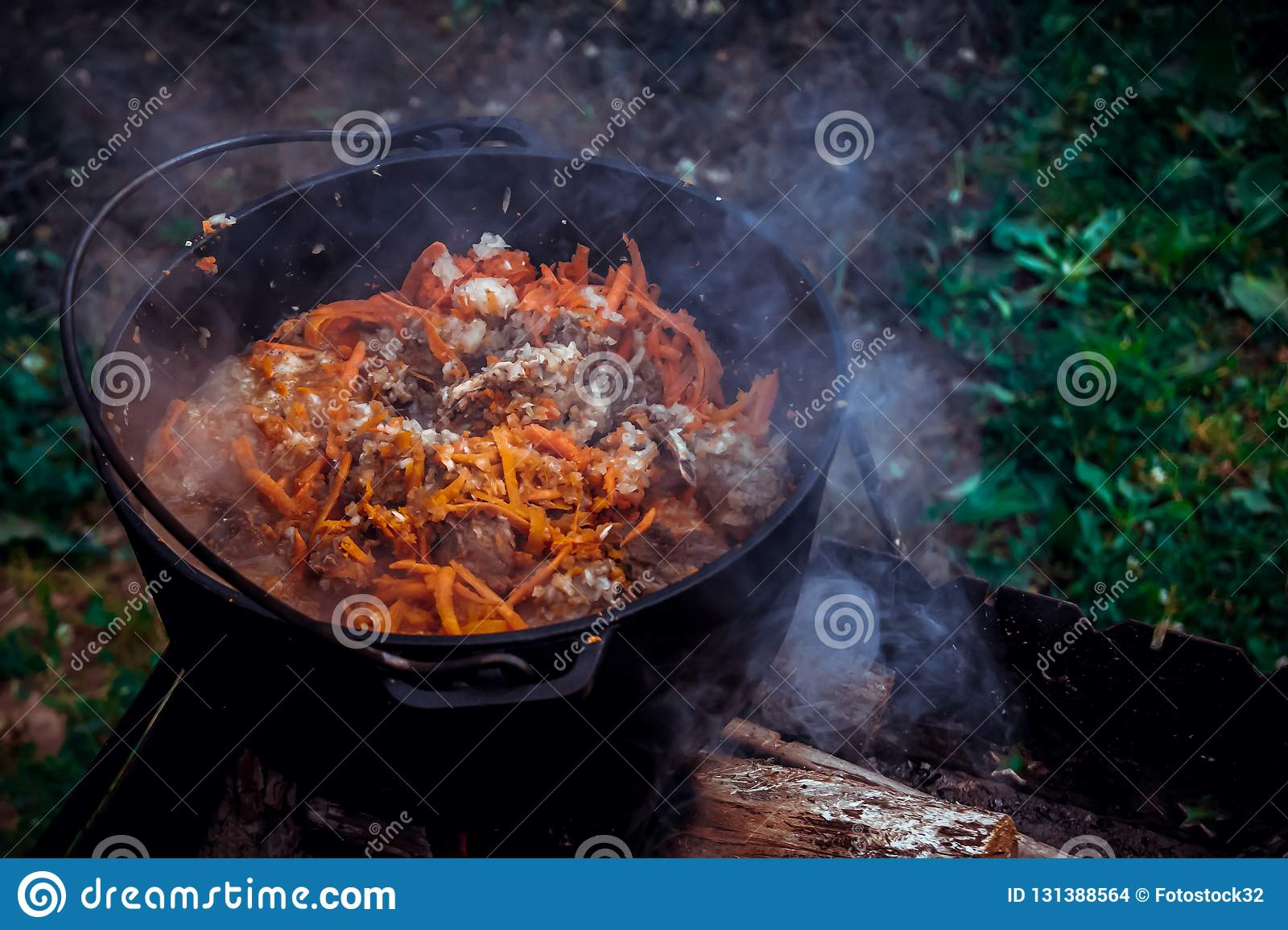 Pilaff i kitteln på branden