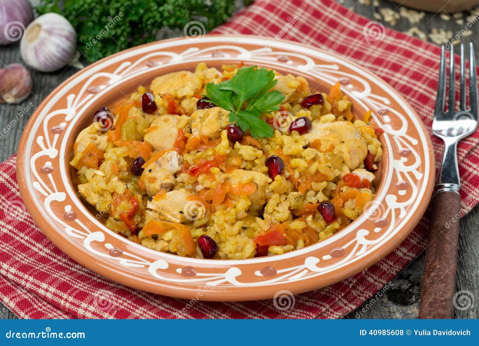 Pilaff med höna och grönsaker, närbild