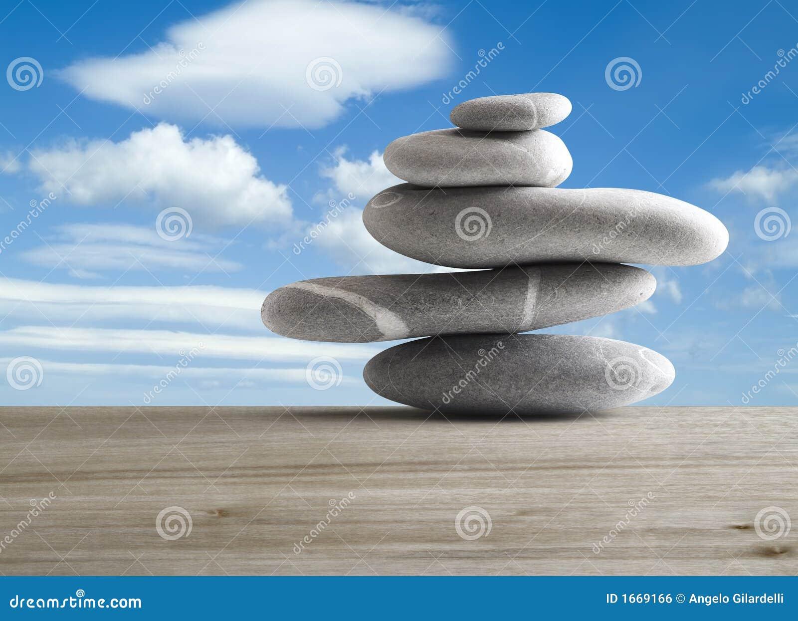 Pile de cinq pierres