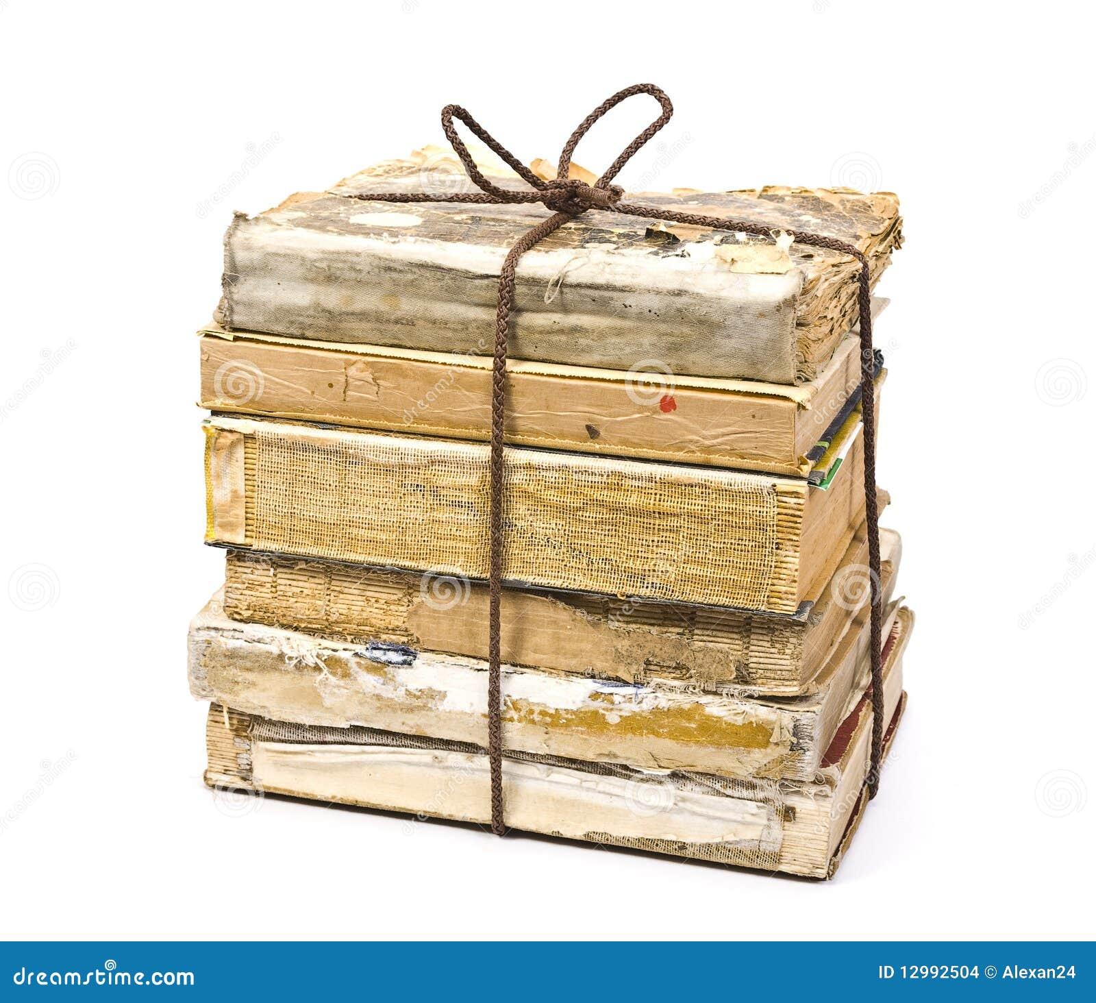 pile de vieux livres photo stock image du isolement 12992504. Black Bedroom Furniture Sets. Home Design Ideas