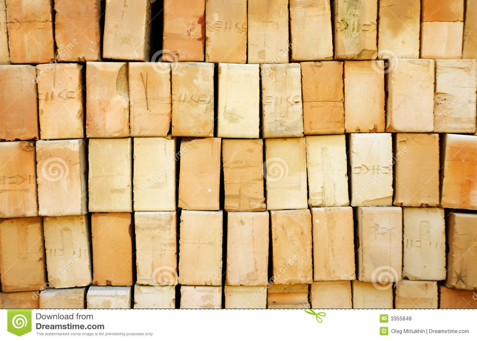 Pile des briques jaunes