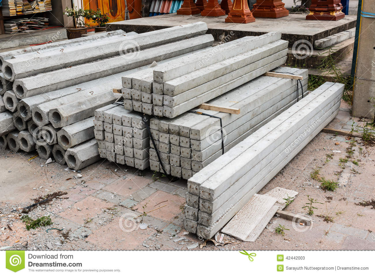 Pile of hexagon and square concrete foundation piles for Foundation pilings