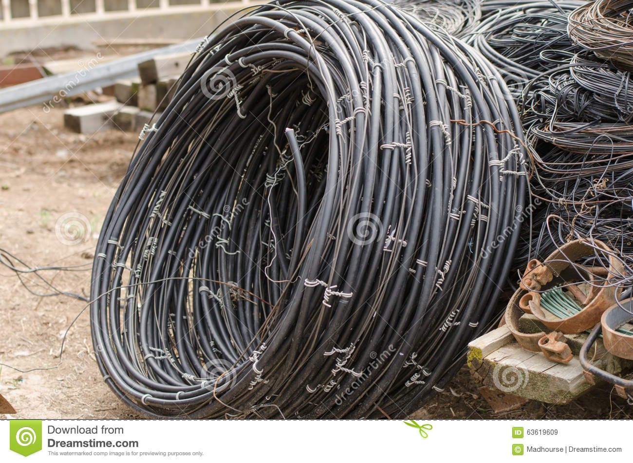 Old Electrical Twisted Wire - WIRE Center •