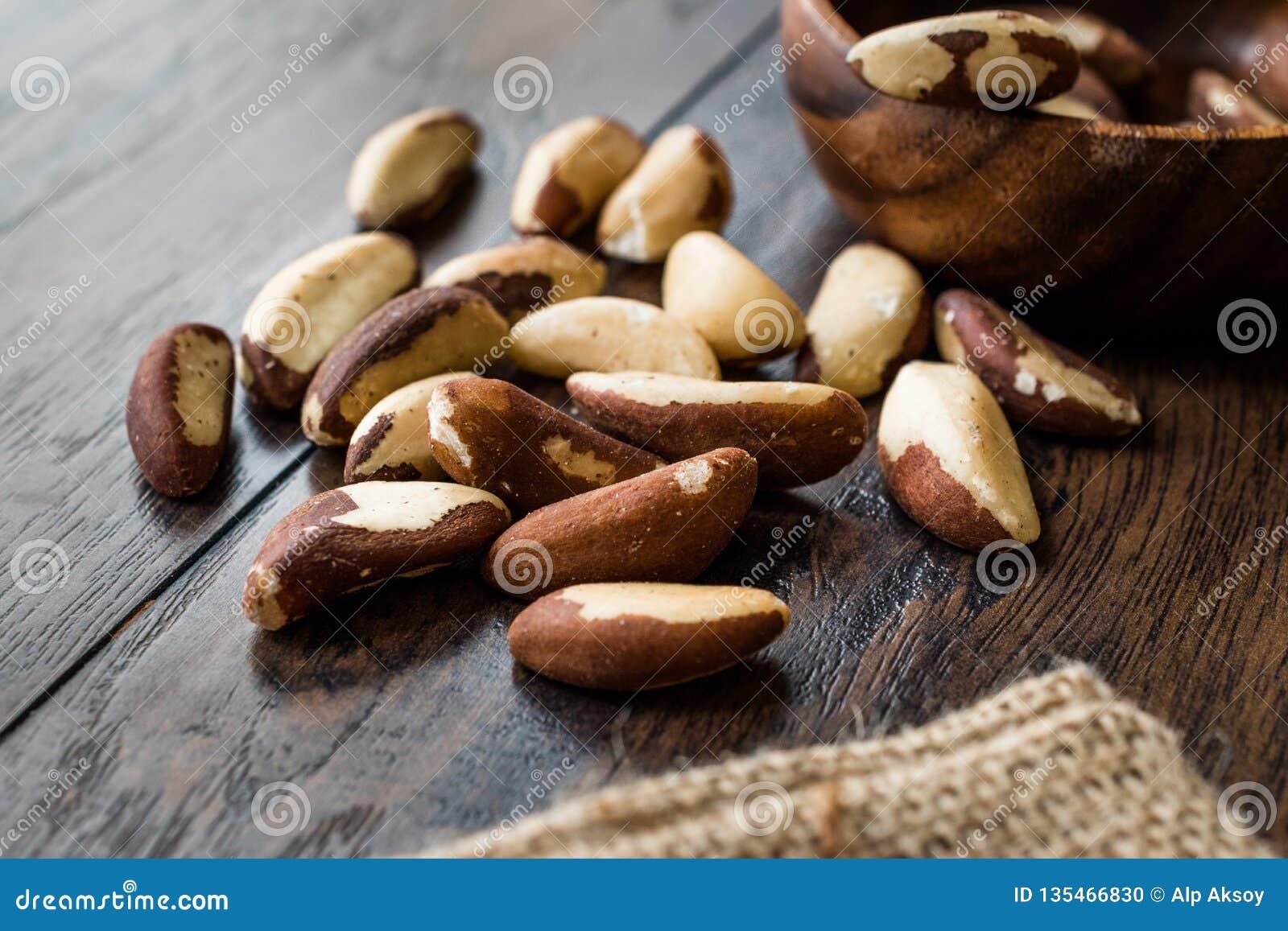 Pile organique crue de noix du brésil sans Shell