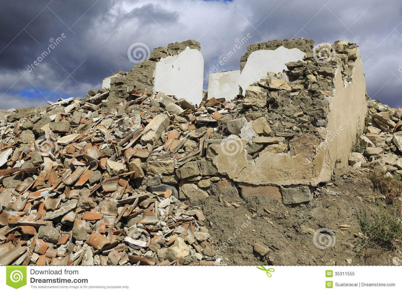Pile Of Rubble Stock Image Image Of Broken Build Dirt