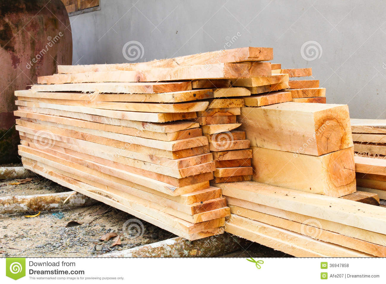 Pile Of Sawed Wood Planks Royalty Free Stock Photos