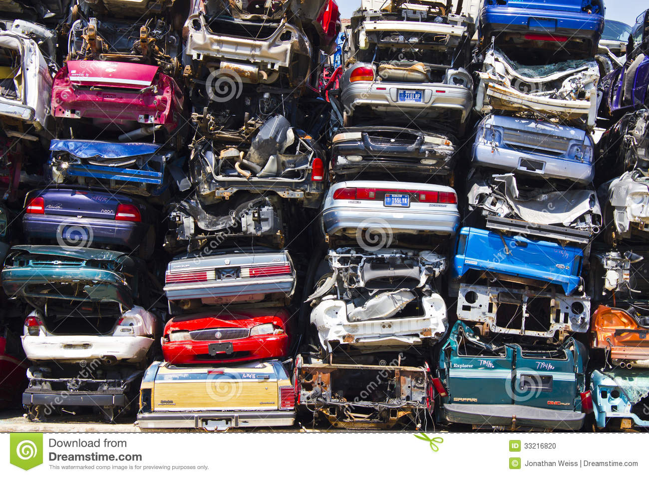 A Pile Of Stacked Junk Cars Editorial Image - Image of junk, metal ...