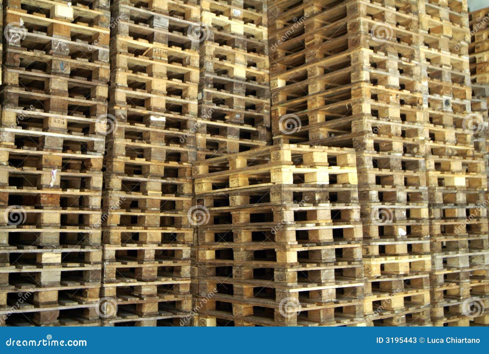 piles de bois de palette image stock image du d rapages 3195443. Black Bedroom Furniture Sets. Home Design Ideas
