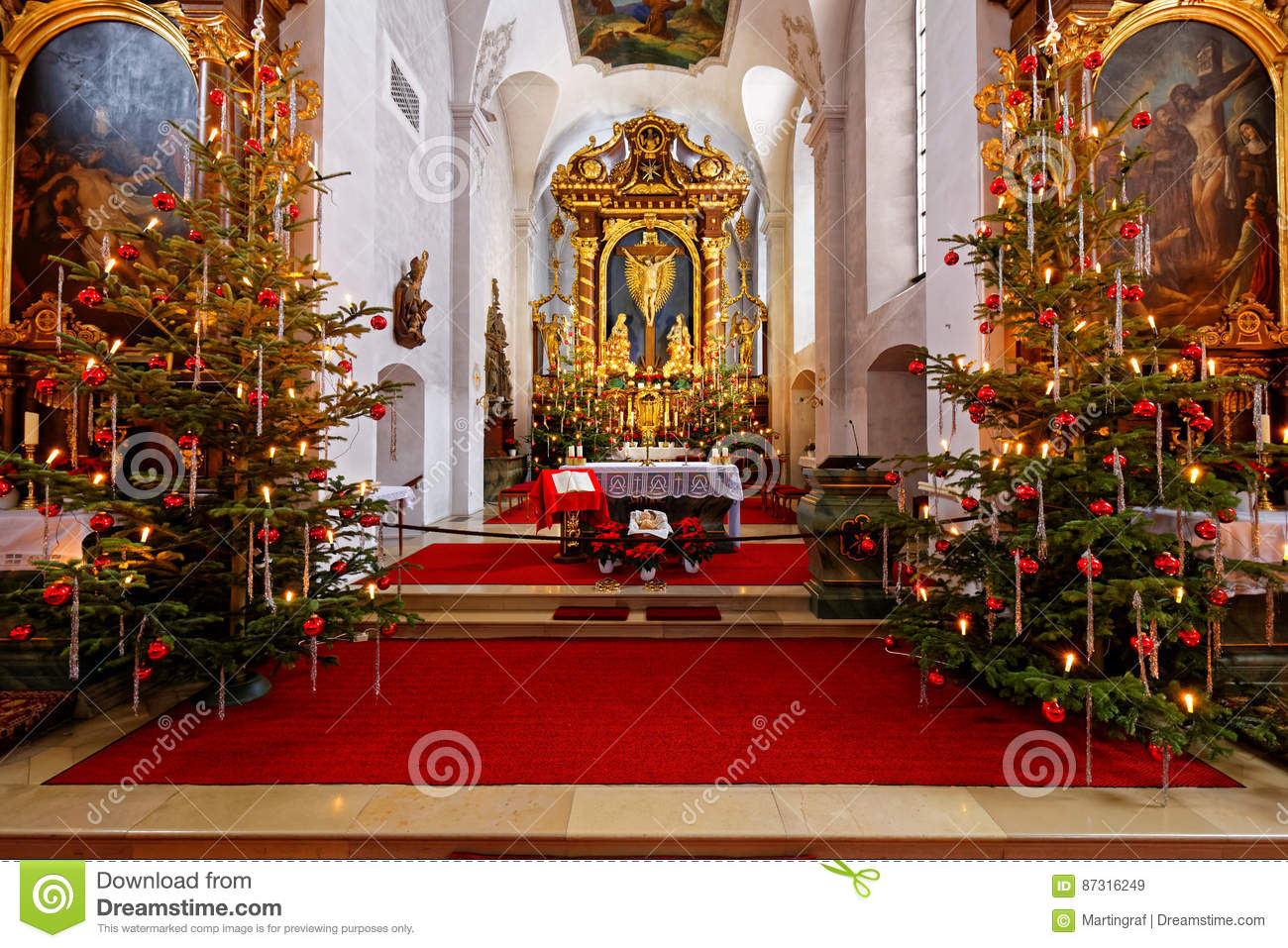 Christmas Decorations For Church Sanctuary  from thumbs.dreamstime.com