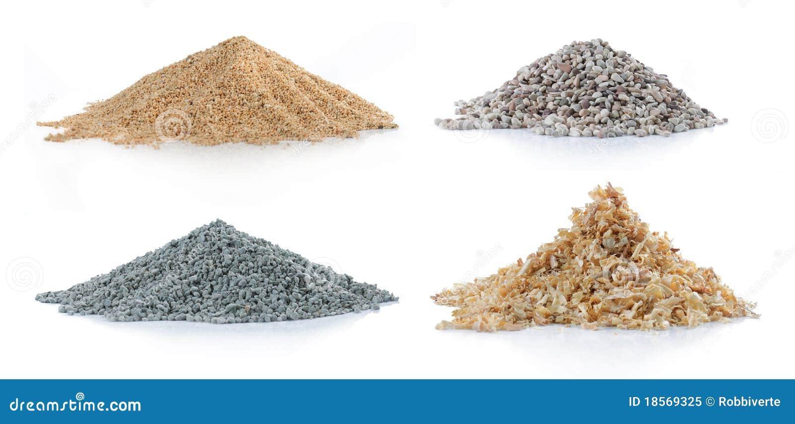 Pilha da areia, da madeira de pinho, do carbono verde e da rocha