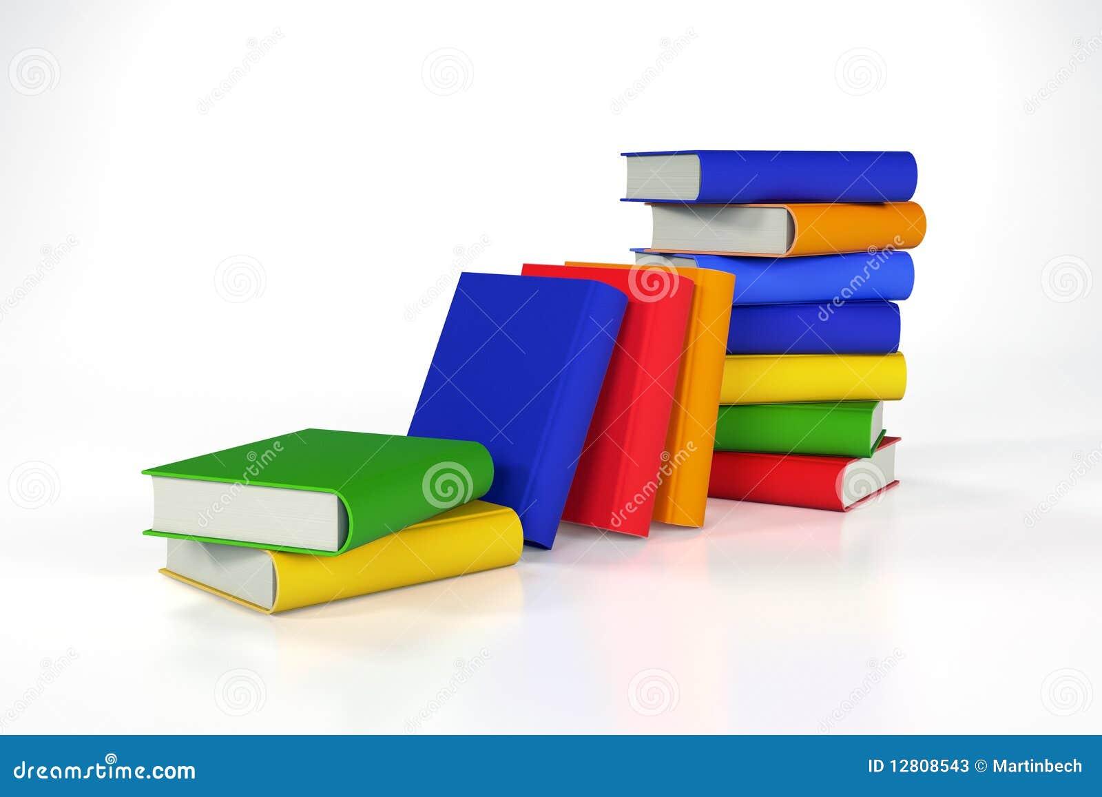 Pilhas de livros coloridos no branco