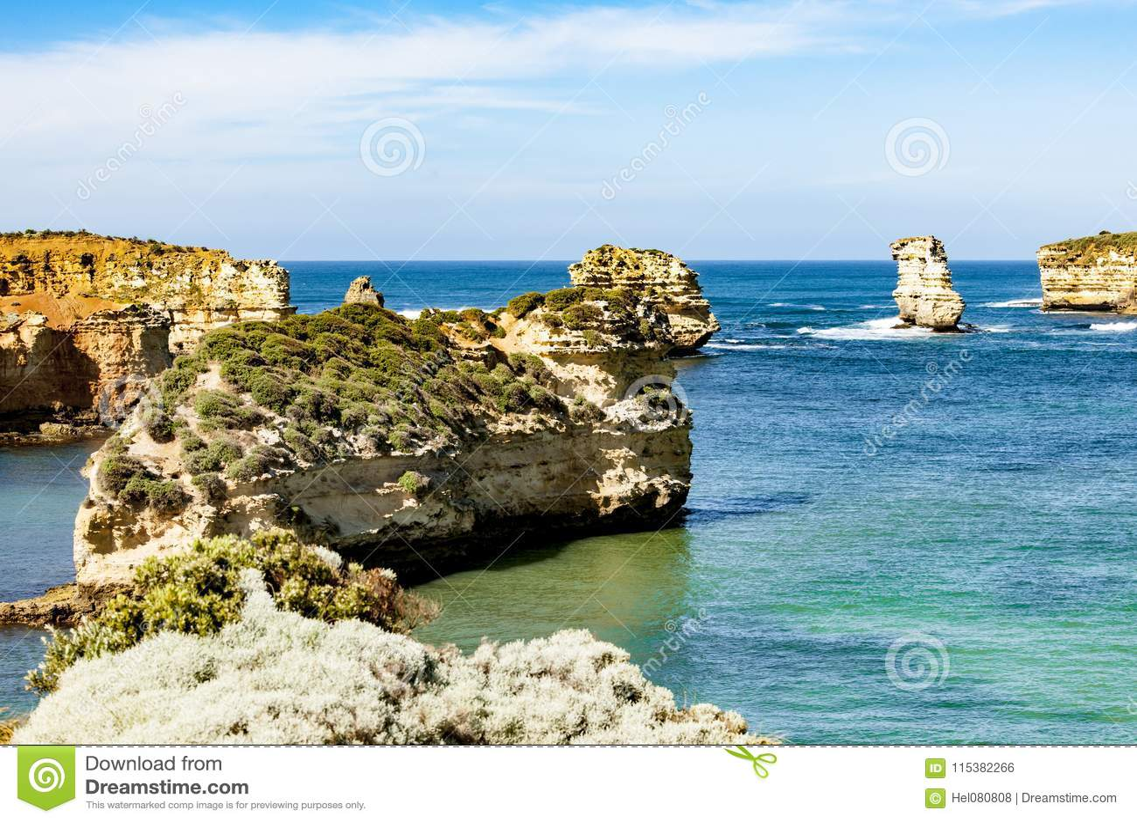 Pilhas estrada do oceano do mar na grande, Austrália