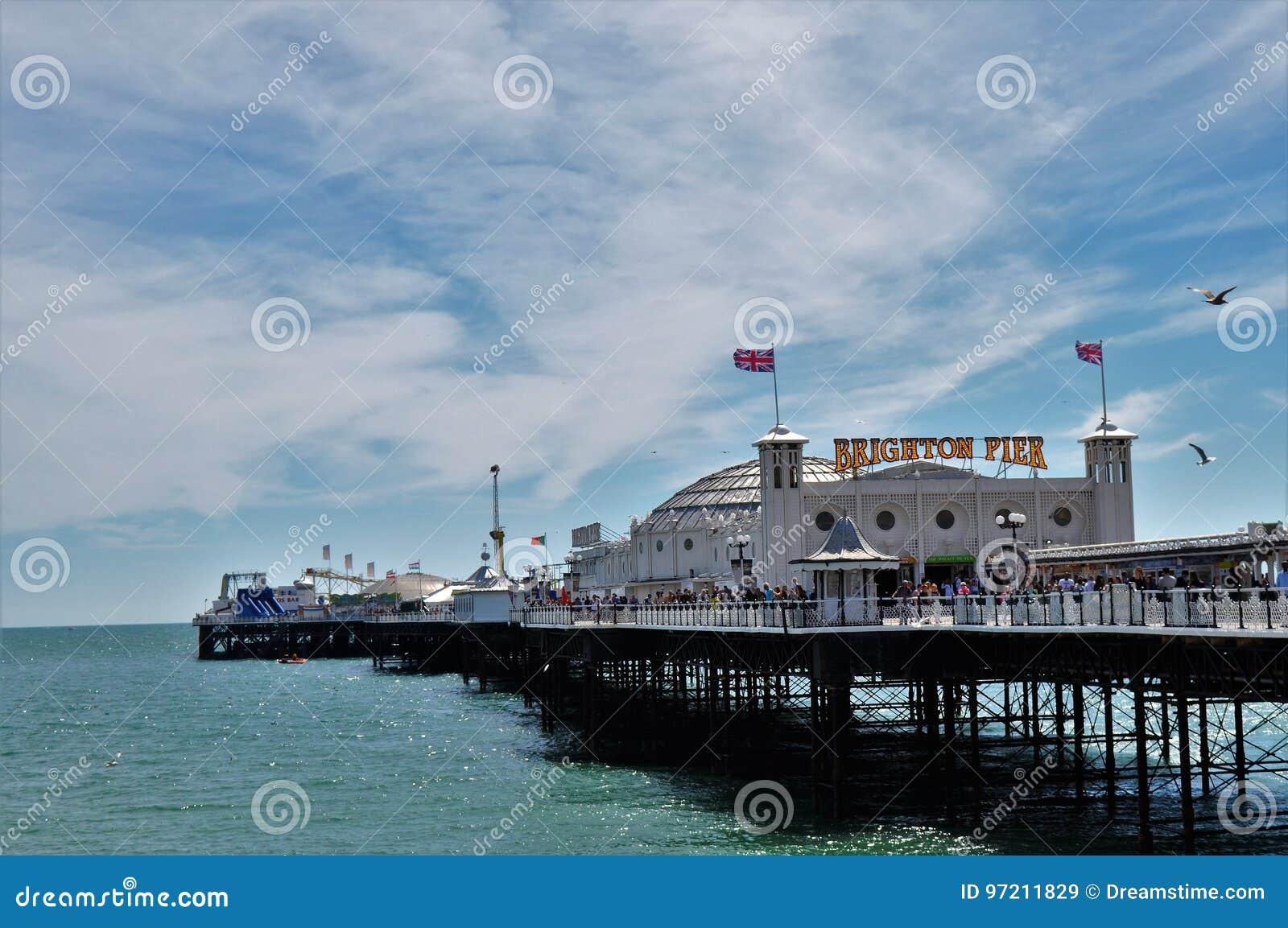 Pilier de Brighton le jour ensoleillé