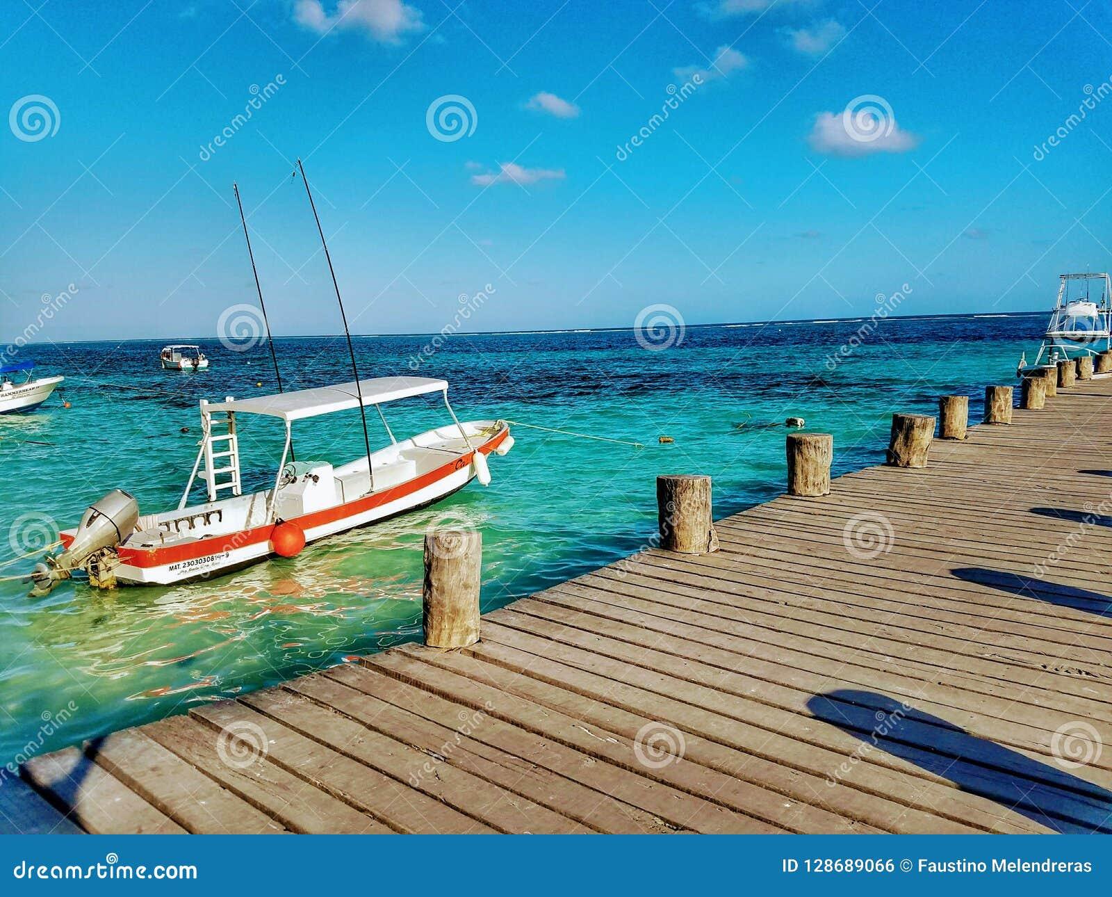 Pilier de plage de Puerto Morelos