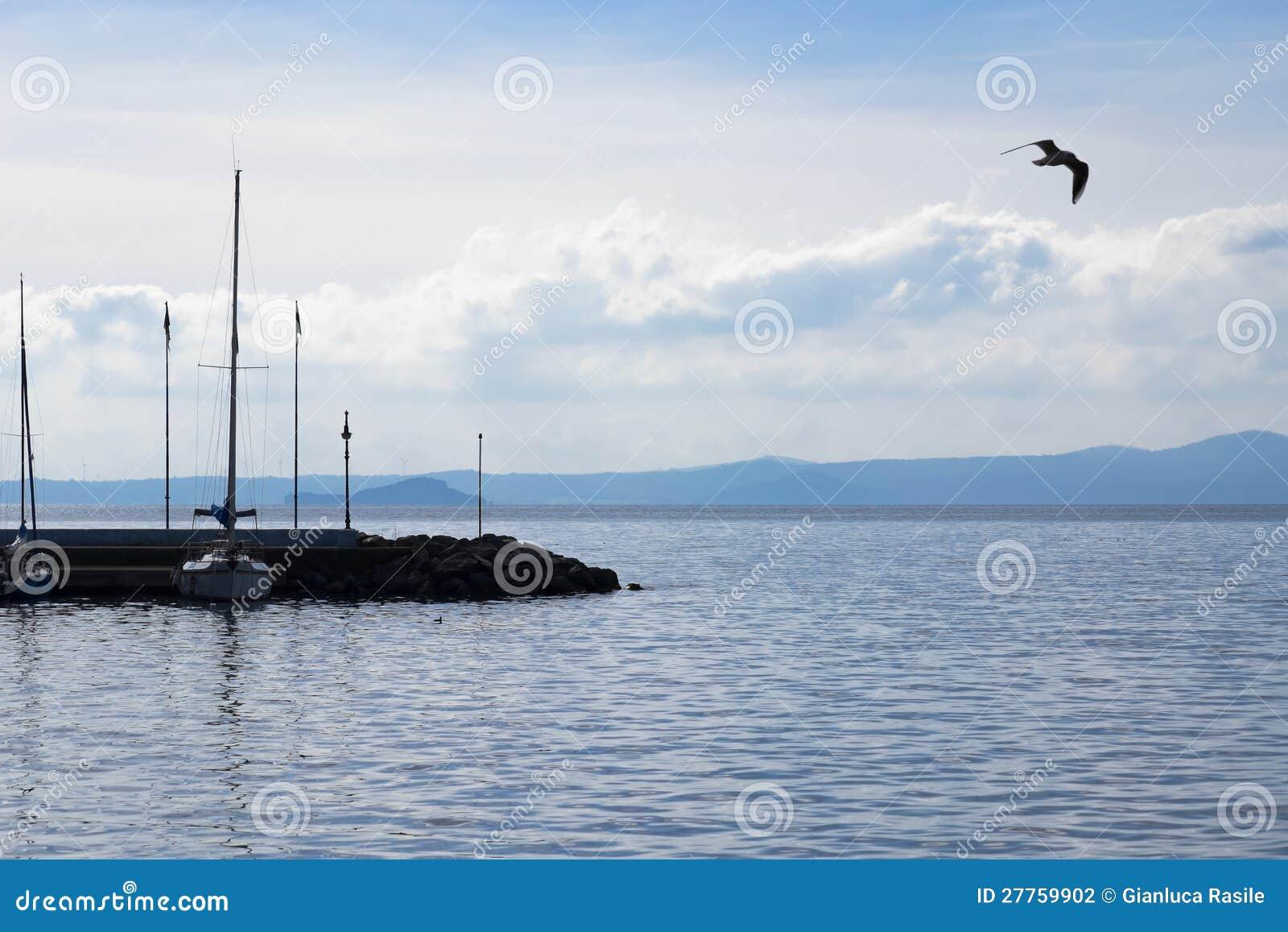 Pilier sur le lac Bolsena