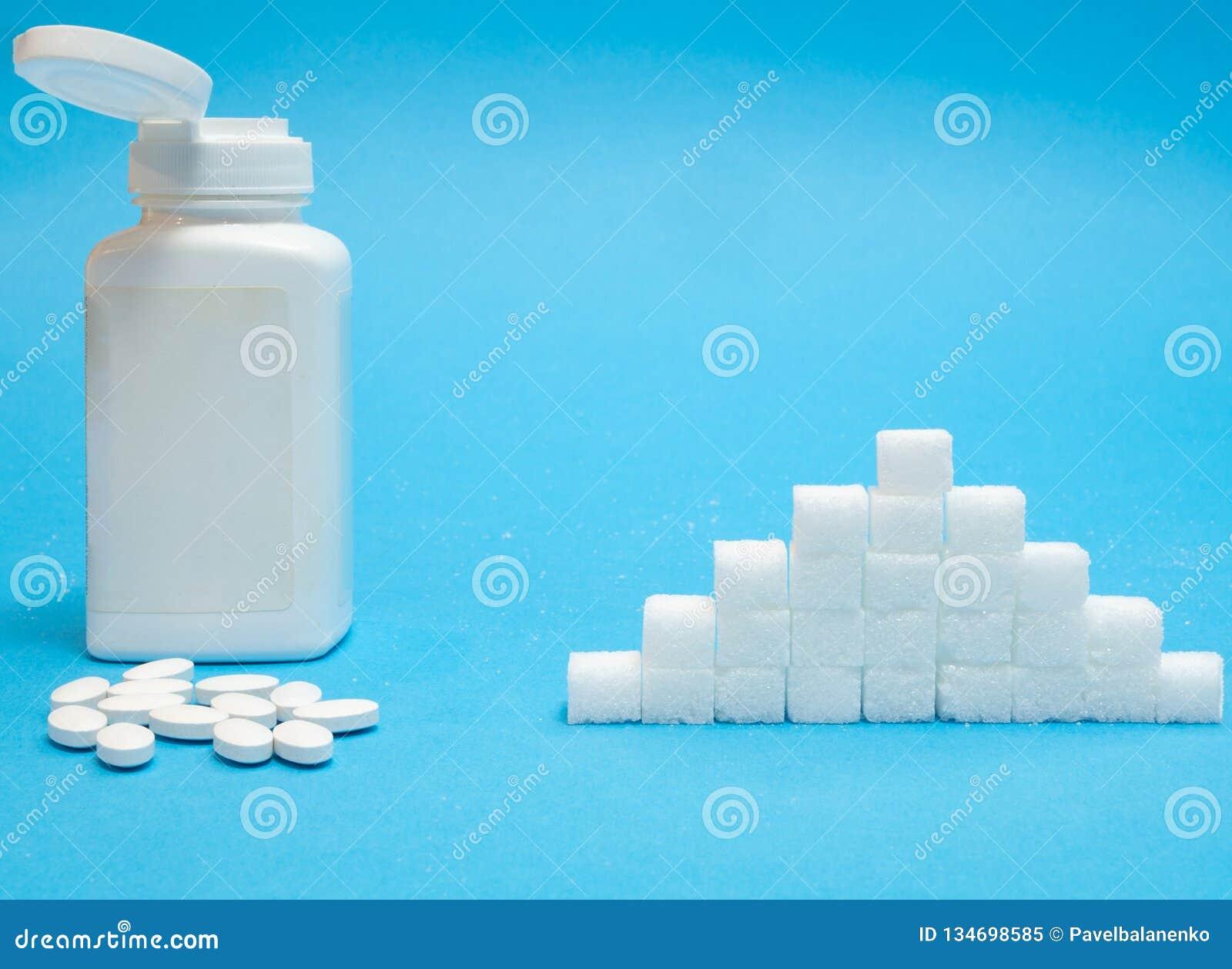Pillen des Zuckerersatzes gegen normalen Zucker