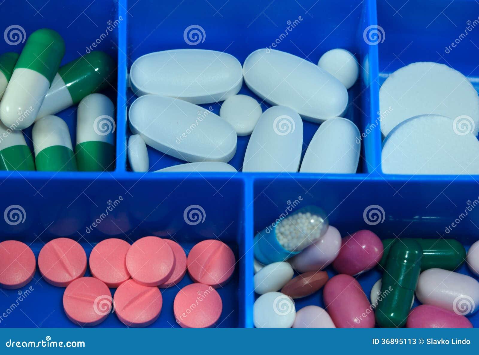 Download Pillole & Capsule Della Medicina Immagine Stock - Immagine di chimica, chemioterapia: 36895113