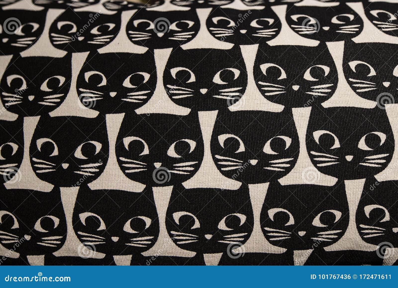 Cat head cartoon pattern